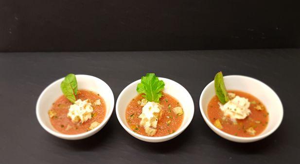 gaspacho de tomates espuma au piment d'espelette